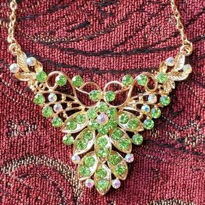 Betsey Johnson green necklace